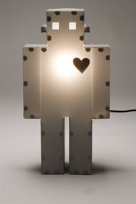 The-Moocow-Robot-Lamp-1.jpg